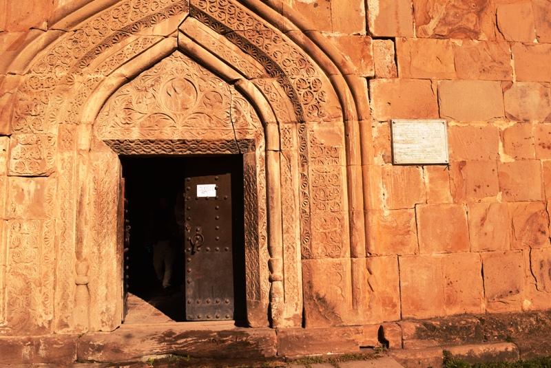 ananuri kirche eingang