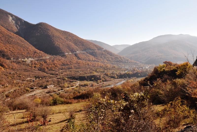 georgien ananuri landschaft